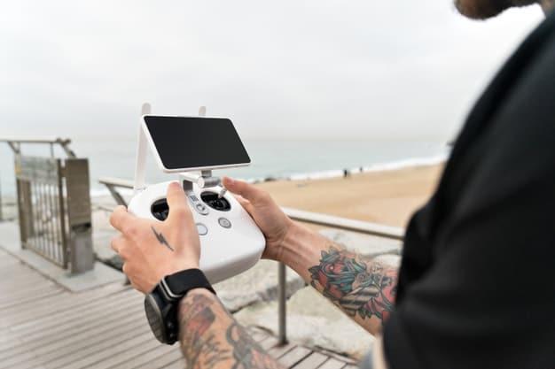 https://www.preflight.co.il/wp-content/uploads/2021/05/amateur-professional-photographer-videographer-sets-up-set-film-from-air-landscape-ocean-with-drone-quadrocopter_346278-7.jpeg