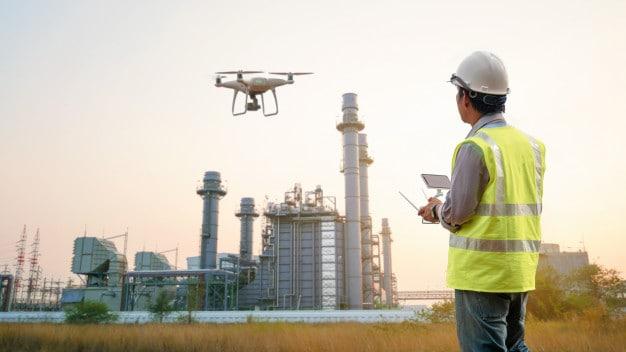 https://www.preflight.co.il/wp-content/uploads/2021/05/drone-inspection-operator-inspecting-construction-building-turbine-power-plant_33835-801.jpeg